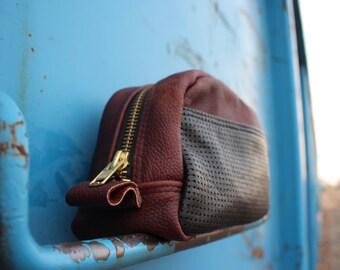 leather dopp bag | leather shaving bag | leather toiletries bag | Groomsmen gift | Husband gift | boyfriend  gift |