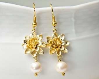 Gold Flower Earrings, with Swarovski Pearls. Gold Pearl Earrings. Pearl Flower Earrings.