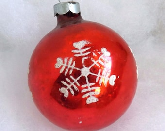 Vintage Christmas ornament, red glass ornament, snowflake ornament, mercury glass ornament, mica stencil ornament