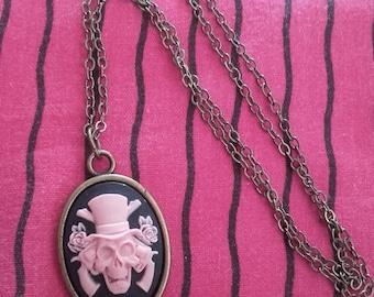 Necklace cameo pendant bronze kawaii cabochon Gothic vintage pinup rockabilly skeleton skull pink and black skull