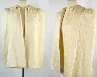 1940s Ivory Quilted Satin Cape or Bed Jacket, Paisley Quilted Pattern