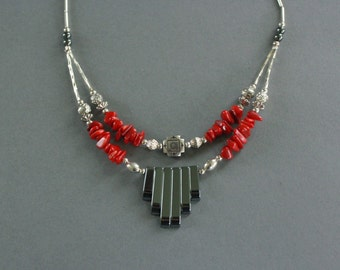 Stone Fan Necklace in Red and Silver
