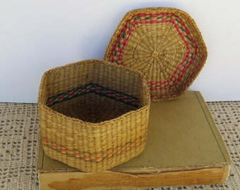 Vintage Woven Grass Basket with Lid Storage- Bohemian Decor - Needle Basket