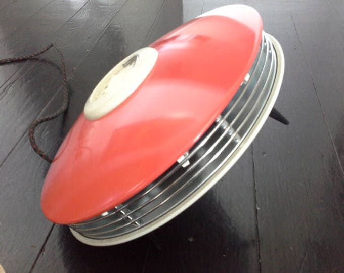 RAYFLOW Red UFO Flying Saucer Fan Heater Spaceage Atomic Mid Century Retro Era Near Mint Condition Original Box