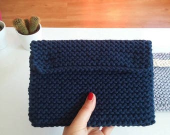 Tablet case, knitted in Navy blue cotton