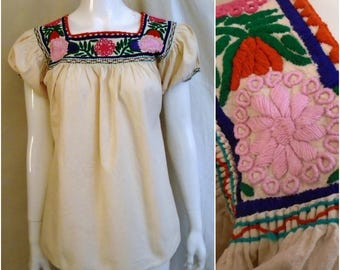 1960s Vintage Peasant Top Multi Color Embroidered Yoke Puffed Sleeves Boho Hippie Large