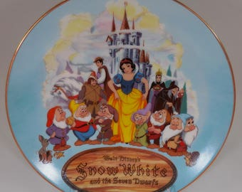 Snow White and the Seven Dwarfs Collectible Plate