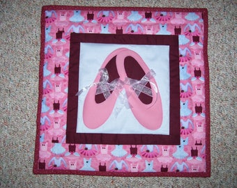 Ballet slippers quilt-wall quilt for a little girl-machine appliqued and quilted