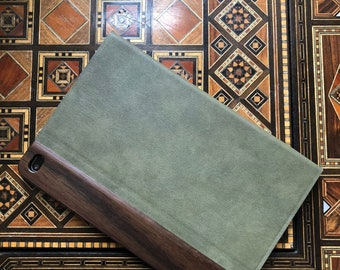 IPAD MINI 4 CASE vintage looking  hand polished exotic madagascar rosewood,green suede leather