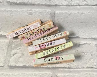 Shabby Chic Vintage Style Clothes Pegs Days of the Week