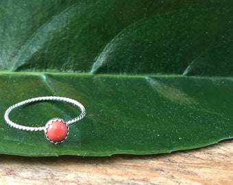 Simple Twisted Coral Ring