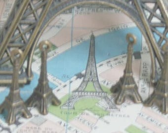 Breloques Tour Eiffel importés de France en laiton Antique patine lot de 6
