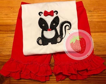 Woodland baby skunk, embroidery, appliqué, design, tshirt, personalize