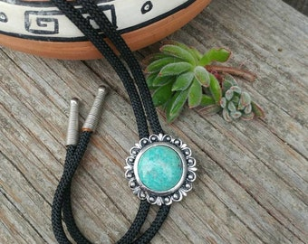 Vintage Turquoise Blue Bolo Tie // Western Bolo String Tie //Southwestern Boho Necklace // Western Wear // Gift For Guys // Vintage Wedding