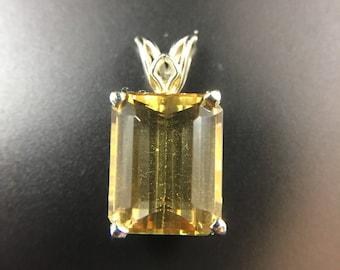 14K yellow gold madeira citrine pendant