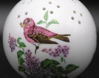 Taylor of London England Pomander / Pot-pourri, Birds, Flowers