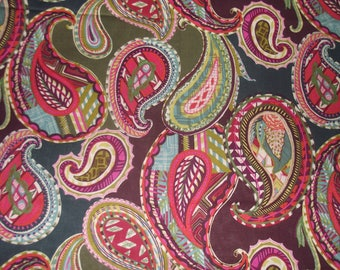 Fabric Remnant Heirloom Paisley - New