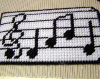 "Vintage 80's'NEEDLEPOINT EYEGLASS CASE"" in Black & White with Musical Notes"