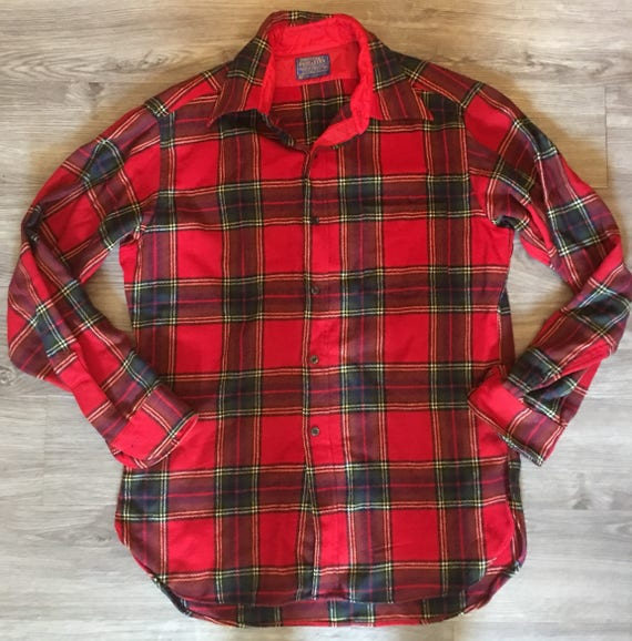 Vintage Retro Men's 60's Pendleton Shirt Red Black Houndstooth Pure Virgin Wool Long Sleeve Buttonup Shirt Medium Made in the USA 80sbac5