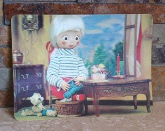 Vintage 3-D postcard, 1960s 3D postcard, Mommy's Helper knitting postcard, Manhattan Postcard Publishing, gift for knitter, knit