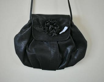 ROSES AREN'T RED | 80's handbag | black purse | evening bag | clutch | faux leather | vegan leather | black bag