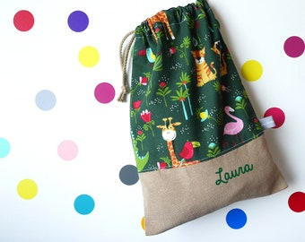 Customizable drawstring pouch - cuddly toy bag - name - kindergarten - animals - jungle - green - girafe - slippers or toys bag
