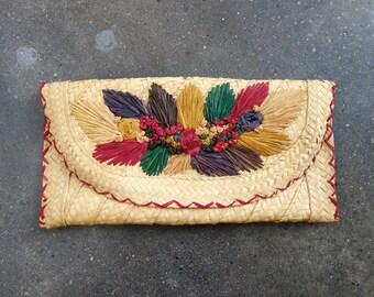 Souvenir straw clutch. colorful. red. 1960 woven bag. Tan. Souvenir. 70's. 60's.