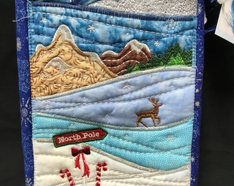 purse, Christmas, embroidered, Noth Pole scene, phone pocket