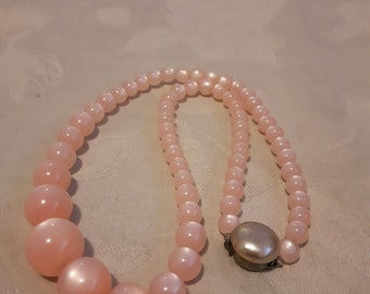 """Vintage Pink Moonglow Beads Necklace / Choker Necklace / 1950's Pink Lucite Bead Necklace / 16"""""""
