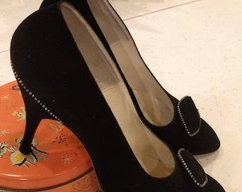 1950's stiletto pumps - faux suede - size 7