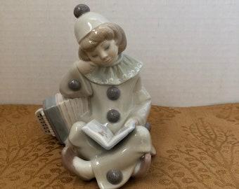 Lladro Girl with Accordion 1178