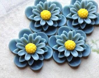 19 mm Grey Colour Daisy Chrysanthemum Resin Flower Cabochons (.as)