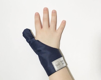Cache inches Navy Blue, weaning thumbs guard, cache-inch, protects thumb, anti sucking thumb glove, glove weaning