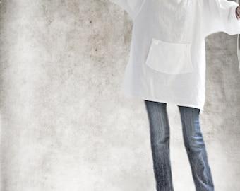 White linen tunic/Long blouse/Side slit top/Raglan mid sleeve/Big pull over
