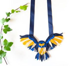 Bib necklace, winter bib necklace, owl necklace, big woman necklace, woman original accessories, felt owl, valentine's day gift, woman gift