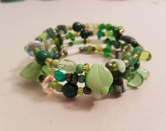 Green beads chunky coil bracelet