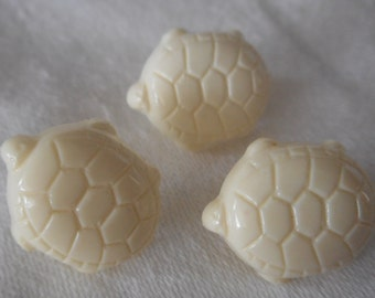 Set of 3 VINTAGE Realistic Turtle White Plastic BUTTONS