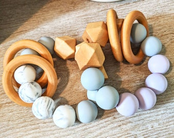 Silicone and wood teether ring