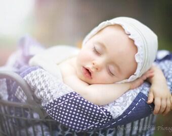 "Knit Baby Bonnet-- ""Crunchy baby hat"", Organic Hemp and Cotton hat, eco-baby, baby girl photo prop. newborn hat, white cotton bonnet, ecru"