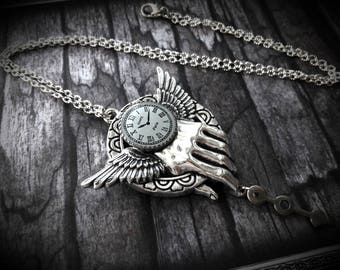 Hand needle time clock steampunk pendant necklace silver necklace antique vintage retro style antique silver ring chain bird wing