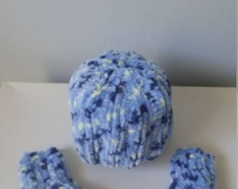 Blue newborn hat and booties