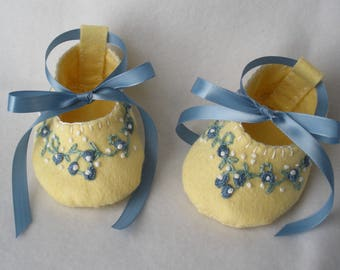 Baby Shoes, Felt Baby Booties, Hand Stitched and Embroidered Pale Yellow and Blue Embroidered Floral Vine