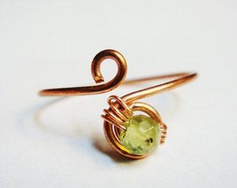 Peridot Jewelry  Peridot Ring  Peridot Knuckle Ring   Midi Ring  Copper Jewelry  Copper Ring