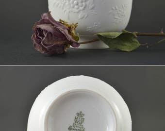 Vintage Bisque Vase, White Heinrich Vase, Matte White Floral Decor, Mid Century Modern Vase, White Porcelain Flower Vase, Op Art Vase