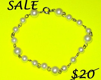 SALE - Triplet Pearl Bracelet - June Birthstone Wire Wrapped - CLEARANCE