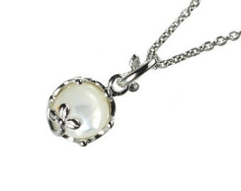 "white shell, mother of Pearl, gemstone, pendant, necklace, jewelry, silver, ""cute jewels"", japan, handmade, kawaii, cute, rose, tear drop, design, jewel,"