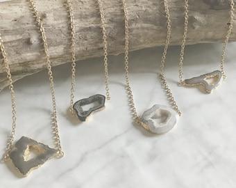 PEARL - collier sautoir, long, chaine, pierre gemmes - agate - bijoux boho, plaqué or - collier pierre - blanc, noir, marron - soldes