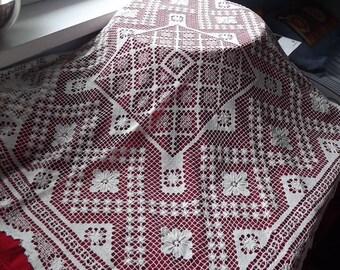 Filet lace milk white tablecloth. Handmade filet lace doily. Polish vintage 1950.