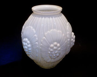 White Glass Vase, Embossed Hobnail Design,  Large Vintage Transluscent Flower Vase, All-Occasion Flower Vases, Retro Decor