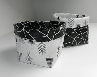Set of 2 storage baskets / planters / tidy in tissue paper laminated reversible look wrinkled paper